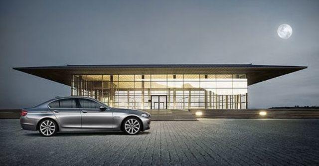 2013 BMW 5-Series Sedan 528i精英版  第4張相片