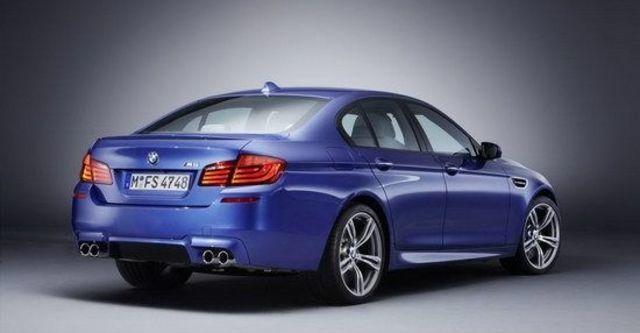 2013 BMW 5-Series Sedan M5  第5張相片