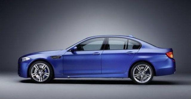 2013 BMW 5-Series Sedan M5  第7張相片