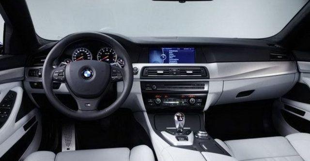 2013 BMW 5-Series Sedan M5  第8張相片