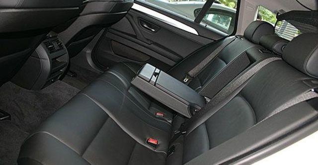 2013 BMW 5-Series Touring 520d  第7張相片