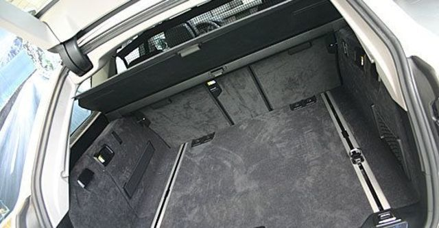 2013 BMW 5-Series Touring 520d  第8張相片