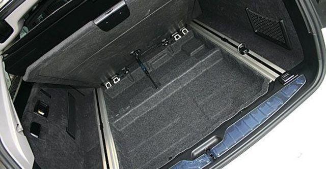 2013 BMW 5-Series Touring 520d  第11張相片