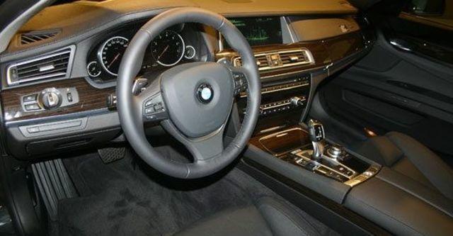 2013 BMW 7-Series 750Li  第9張相片