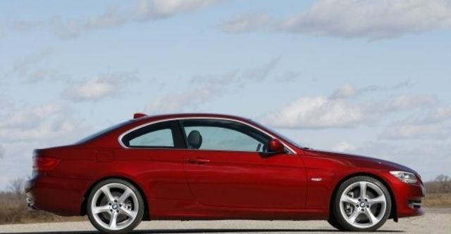 2012 BMW 3-Series Coupe 335i  第7張相片