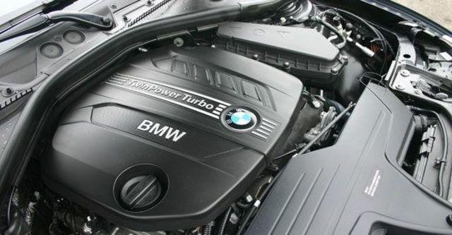 2012 BMW 3-Series Sedan 318d  第6張相片