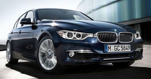 2012 BMW 3-Series Sedan 318d  第8張相片