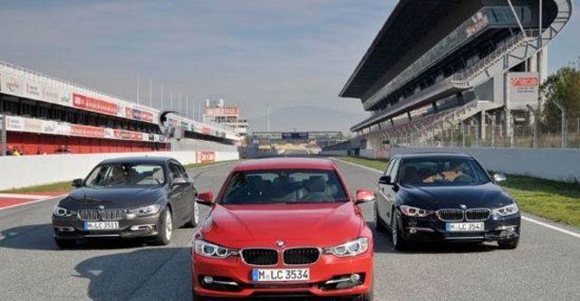 2012 BMW 3-Series Sedan 318d  第9張相片