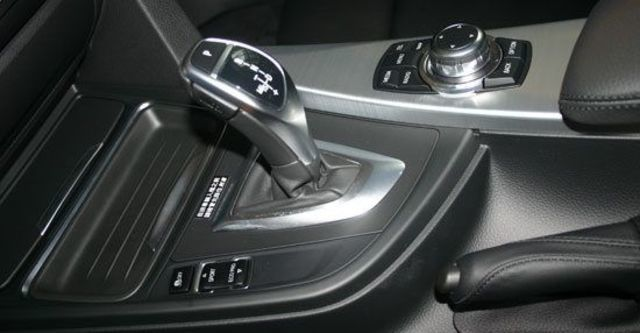 2012 BMW 3-Series Sedan 328i Sport  第5張相片