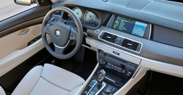 2012 BMW 5-Series GT 530d  第7張相片