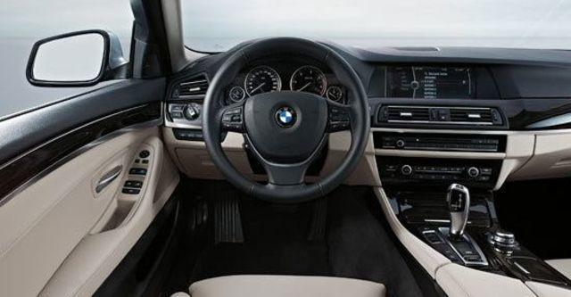 2012 BMW 5-Series Sedan 530d  第7張相片