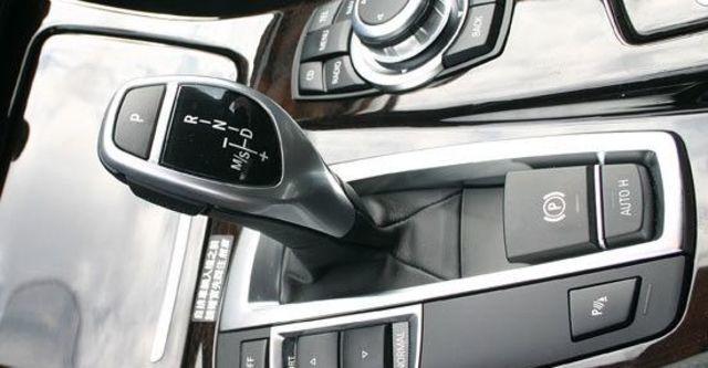 2012 BMW 5-Series Sedan 530i  第5張相片