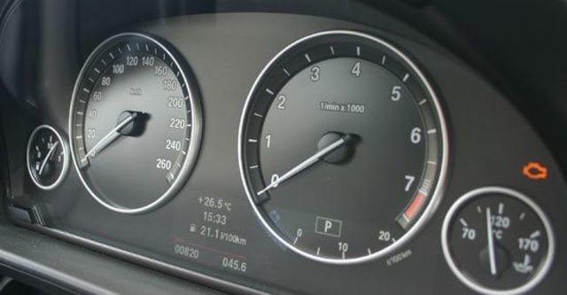 2012 BMW 5-Series Sedan 530i  第7張相片