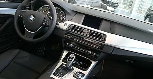 2012 BMW 5-Series Touring 520d  第6張相片