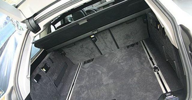 2012 BMW 5-Series Touring 520d  第8張相片