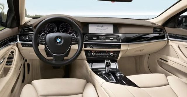 2012 BMW 5-Series Touring 520i  第6張相片