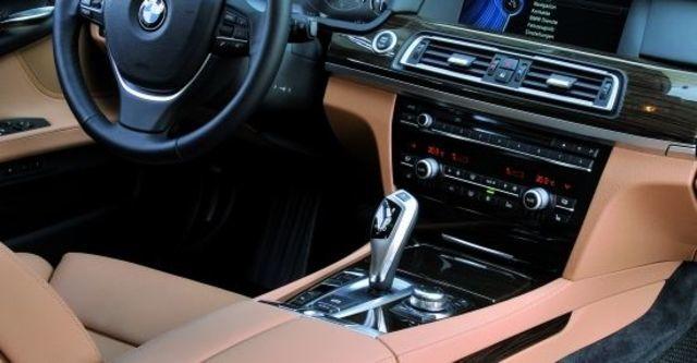 2012 BMW 7-Series 730d  第8張相片