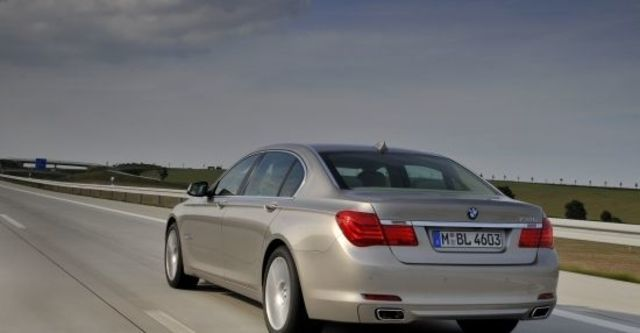 2012 BMW 7-Series 730Li  第3張相片