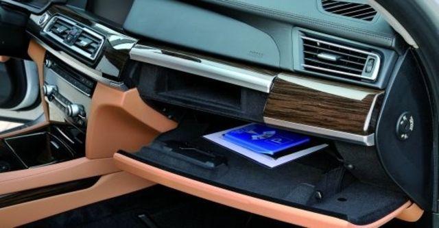 2012 BMW 7-Series 730Li  第5張相片