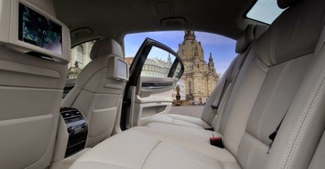 2012 BMW 7-Series 730Li  第6張相片