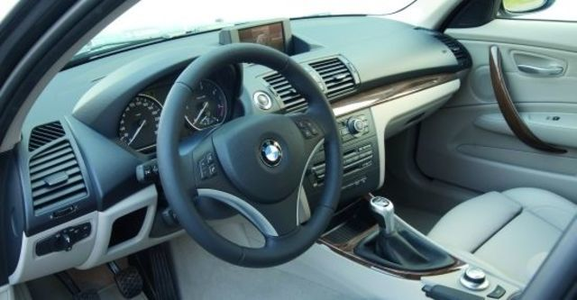 2011 BMW 1-Series 120d M Sports Package  第6張相片