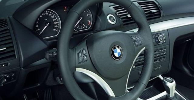 2011 BMW 1-Series 120i  第7張相片
