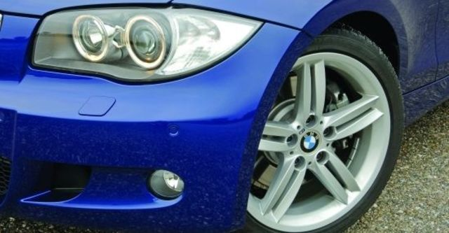2011 BMW 1-Series 123d M Sports Package  第3張相片