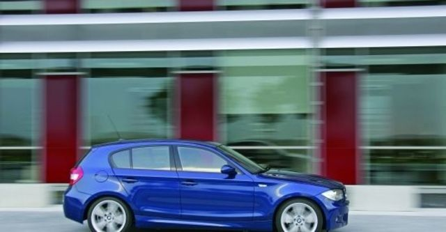 2011 BMW 1-Series 123d M Sports Package  第4張相片