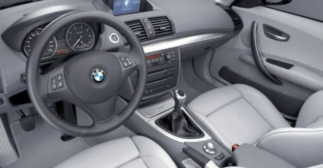2011 BMW 1-Series 123d M Sports Package  第5張相片