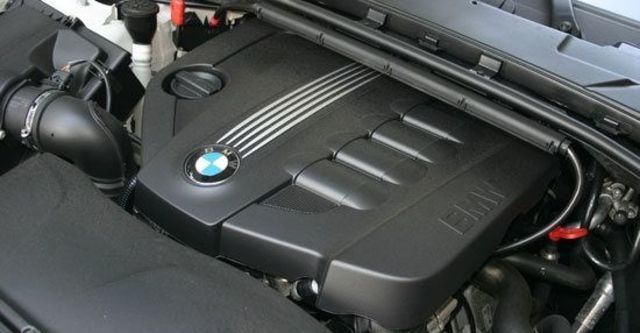 2011 BMW 1-Series Coupe 118d  第7張相片