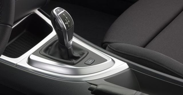2011 BMW 1-Series Coupe 135i  第8張相片