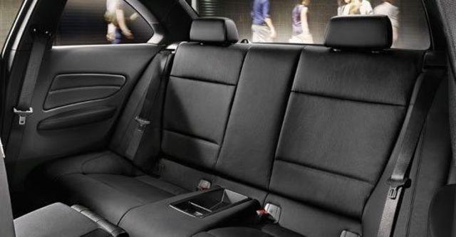 2011 BMW 1-Series Coupe 135i  第15張相片