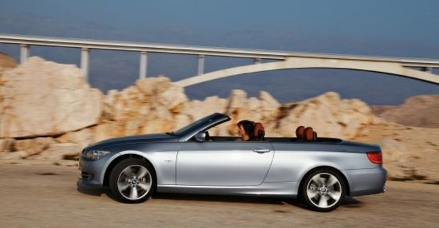 2011 BMW 3-Series Convertible 320i  第4張相片