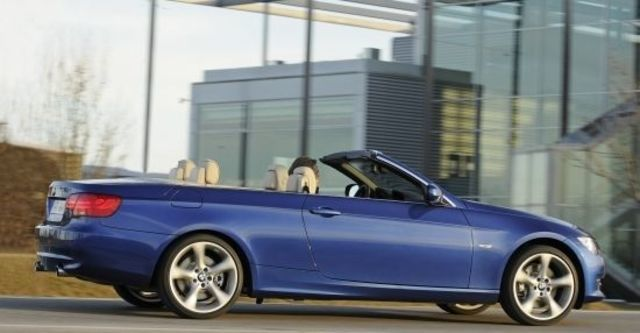 2011 BMW 3-Series Convertible 335i  第5張相片