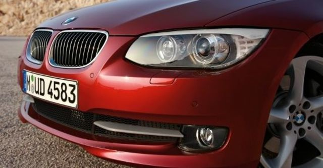 2011 BMW 3-Series Coupe 335i  第4張相片