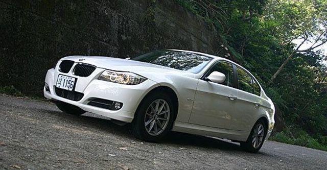 2011 BMW 3-Series Sedan 318d  第1張相片