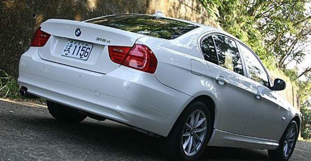 2011 BMW 3-Series Sedan 318d  第3張相片
