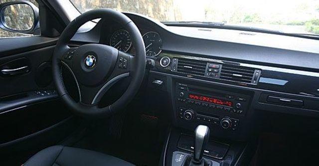2011 BMW 3-Series Sedan 318d  第5張相片