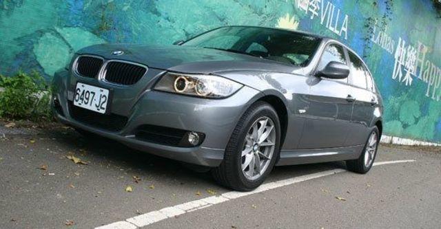 2011 BMW 3-Series Sedan 320i  第1張相片