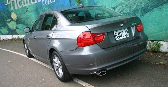 2011 BMW 3-Series Sedan 320i  第3張相片