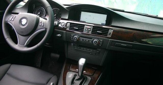 2011 BMW 3-Series Sedan 320i  第4張相片