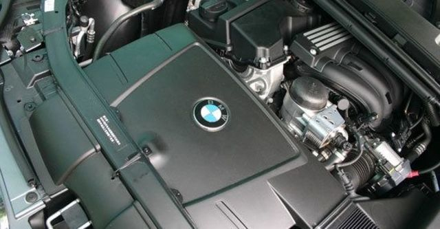 2011 BMW 3-Series Sedan 320i  第8張相片
