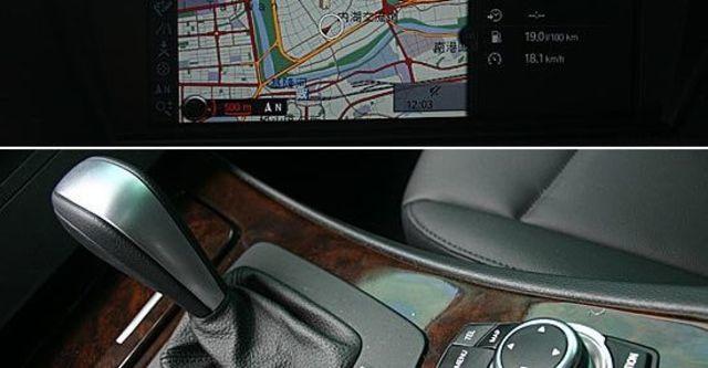2011 BMW 3-Series Sedan 320i  第10張相片