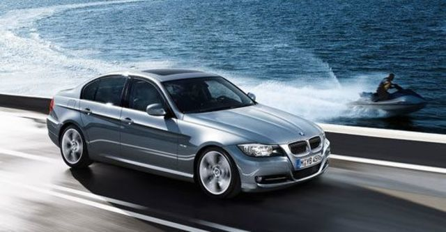 2011 BMW 3-Series Sedan 323i  第1張相片