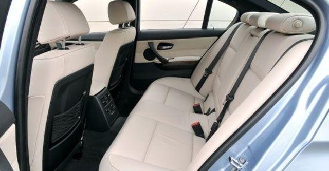 2011 BMW 3-Series Sedan 323i  第9張相片