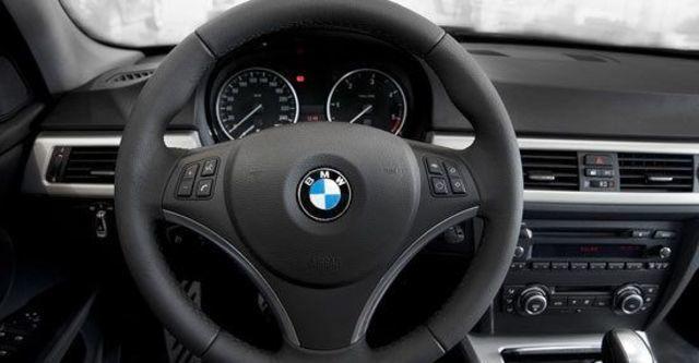 2011 BMW 3-Series Touring 320d  第4張相片