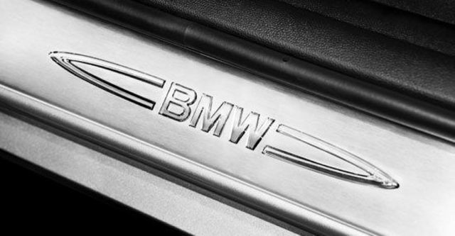 2011 BMW 3-Series Touring 320d  第7張相片