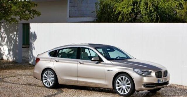 2011 BMW 5-Series GT 550i  第1張相片