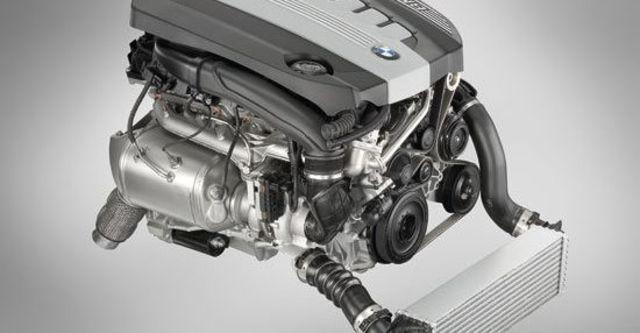 2011 BMW 5-Series Sedan 535d M Sports Package  第10張相片