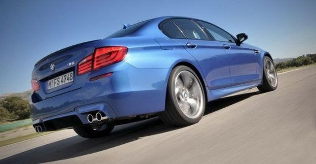 2011 BMW 5-Series Sedan M5  第3張相片